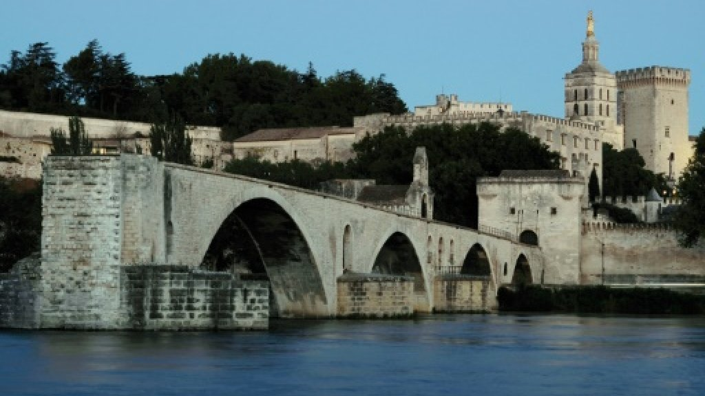 British woman dies after fall from riverboat in southern France