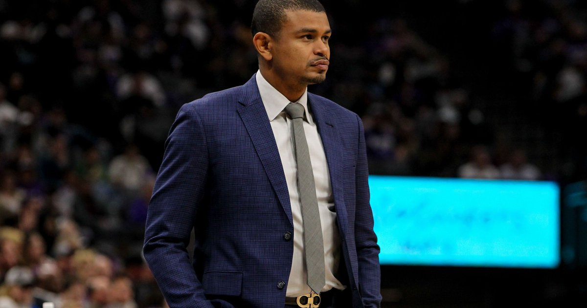 Phoenix Suns fire coach Earl Watson after 0-3 start https://t.co/HyyRnHgrc8 https://t.co/MkkjkpZLh7