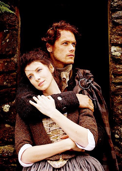 Claire and Jamie reunited 💞😍😭💞😍😭💞😍😭 #Outlander https://t.co/rxVzPSQuSD