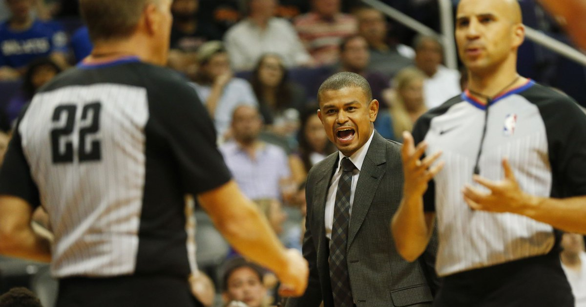 Suns' firing of Earl Watson creates many questions https://t.co/Gf7mdNapak https://t.co/sPWe3SivMo