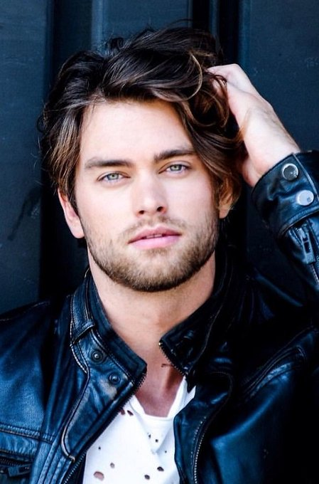 Happy 26th Birthday to Pierson Fode!