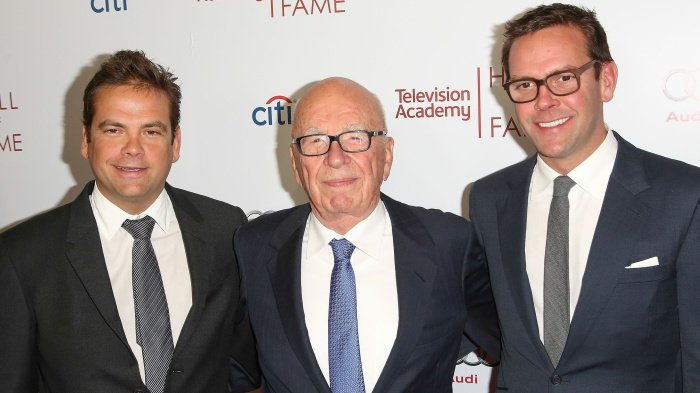 The Murdochs have reportedly held talks to sell a large portion of Fox to Disney https://t.co/8YjlC8aYuA https://t.co/o6BuqZmg1f