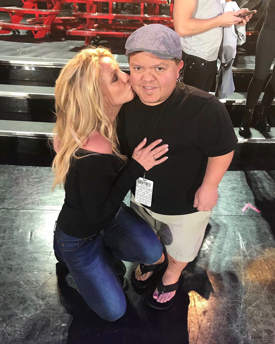 Donny always makes me smile and happy ������ #PieceOfMe https://t.co/0DgnYR5P6L