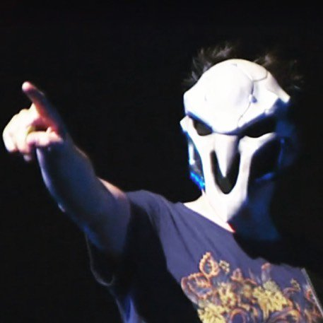 Fun show at #blizzcon  https://t.co/MGDRmP5nJG https://t.co/JQURecu04e