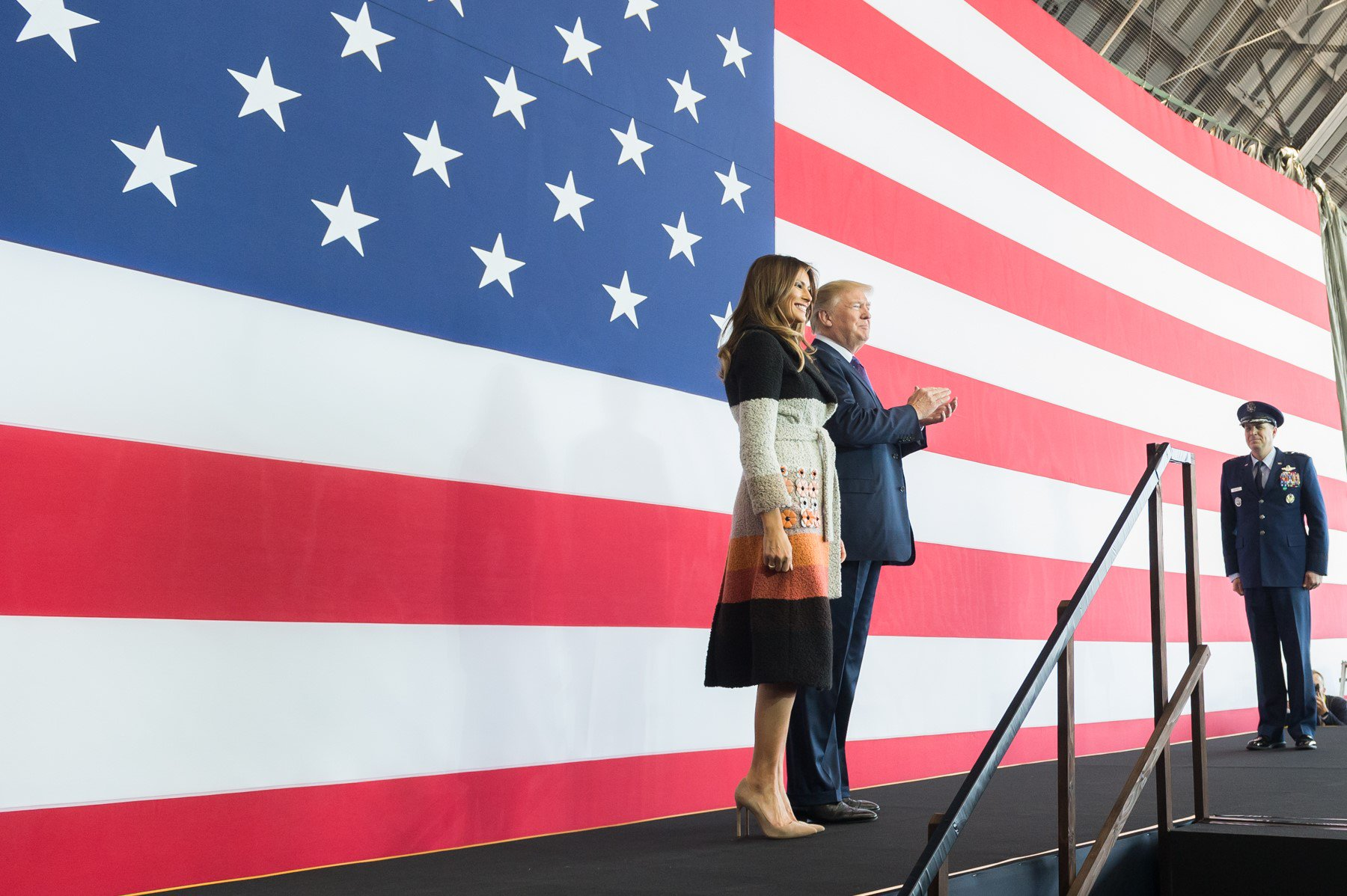 Follow President Trump and the First Lady's trip to Asia in photos: https://t.co/2EdlNGZPYw #POTUSinAsia https://t.co/50GwMvU2Qf
