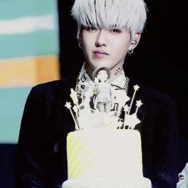 Happy Birthday Kris Wu  . I hope you\ll enjoy your day. Take care bb