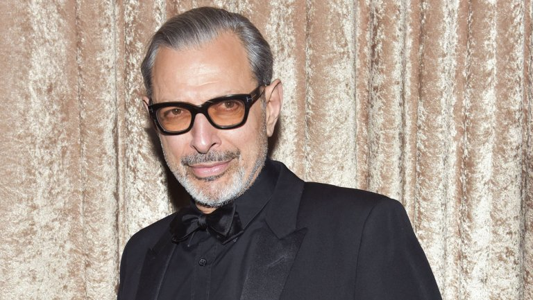 Jeff Goldblum teases a @Marvel appearance after