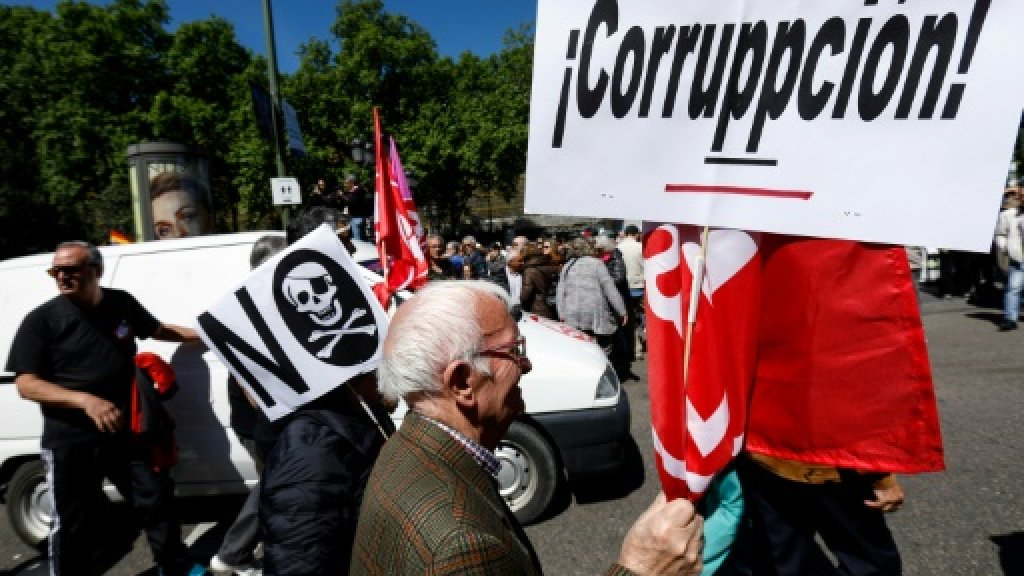 Prosecutor accuses Spain's ruling party of benefitting from kickbacks