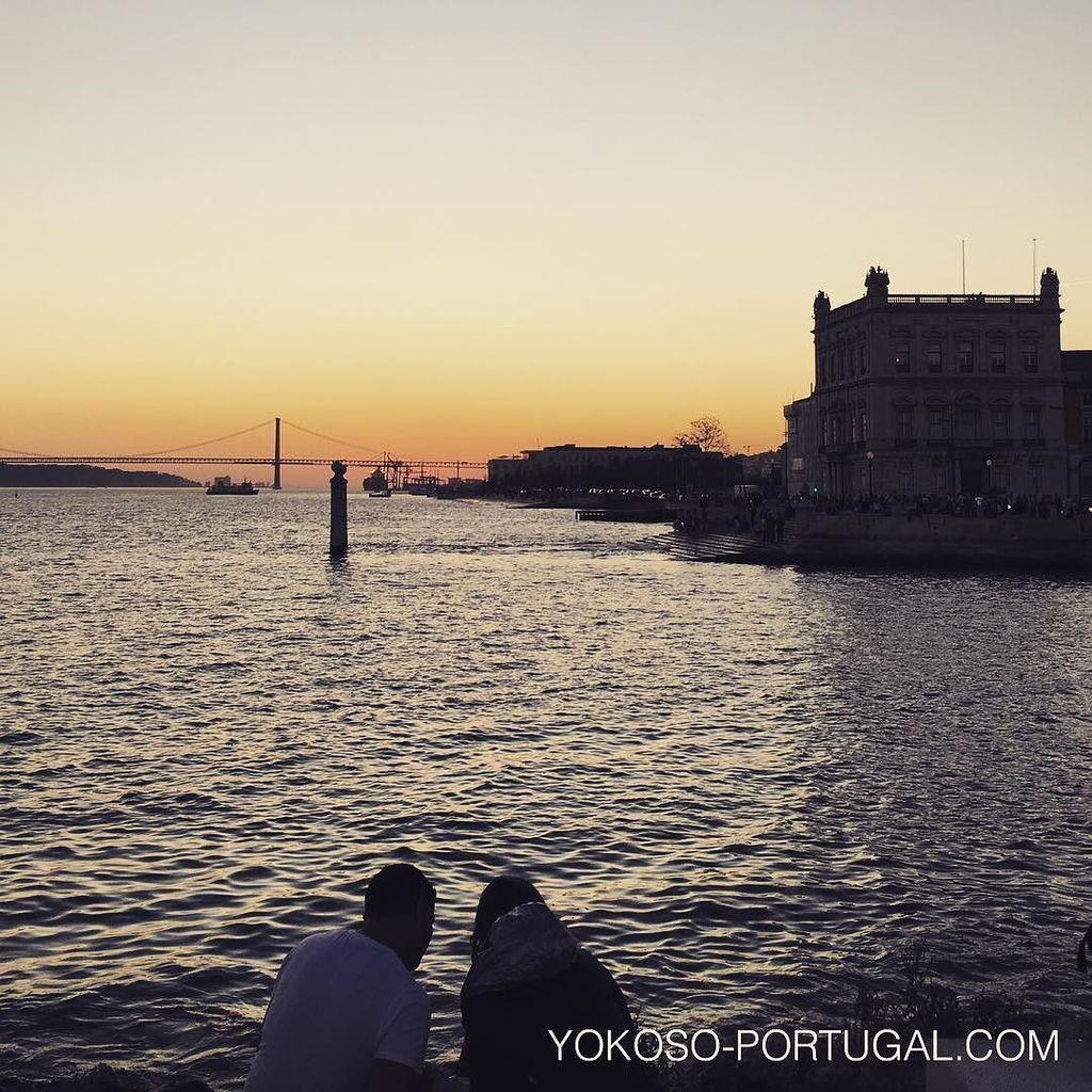 test ツイッターメディア - テージョ川に架かる4月25日橋越しの夕日。 #リスボン #ポルトガル https://t.co/3qAuY6Qi6v