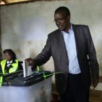 Chief Justice votes in repeat presidential poll (Photos)