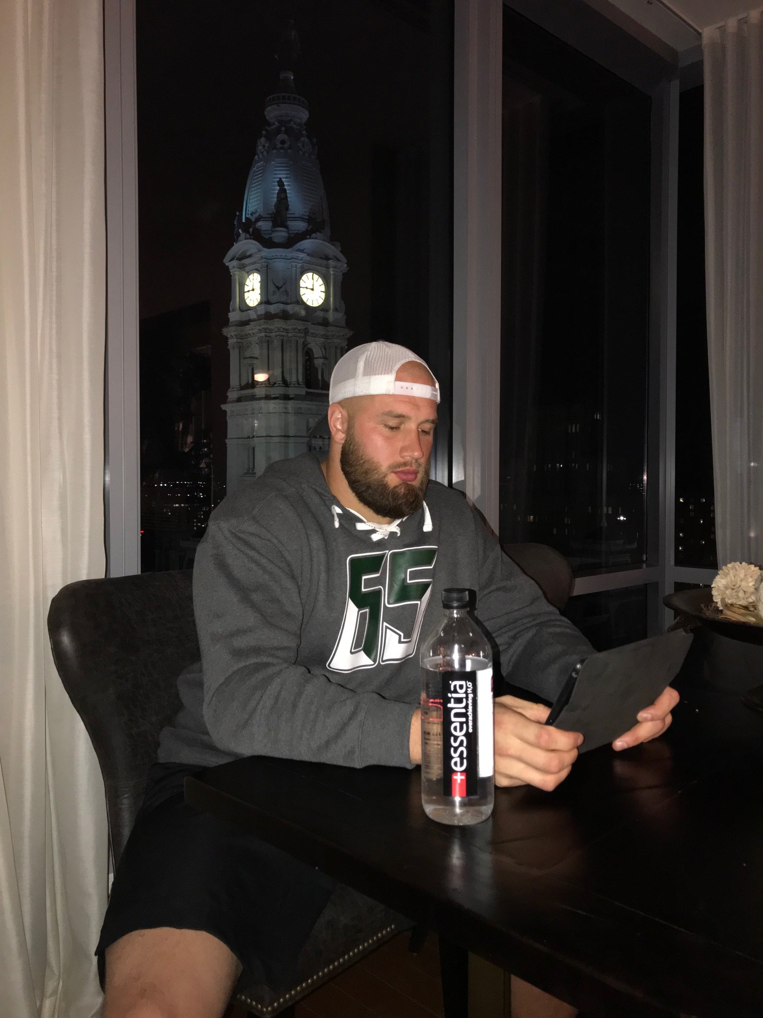 Late night in the playbook! #nodaysoff #essentiawater #flyeaglesfly #views https://t.co/6ECktL7EgL