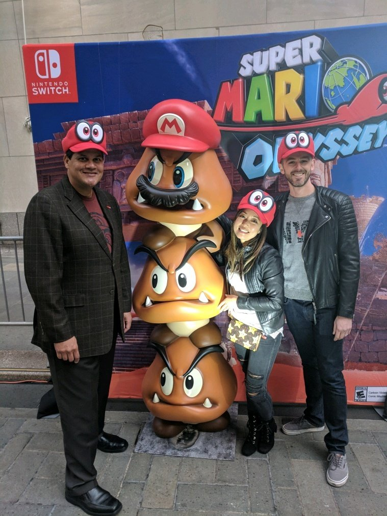 Look who came out to celebrate the #SuperMarioOdyssey launch event! https://t.co/tPBFKbCcMi
