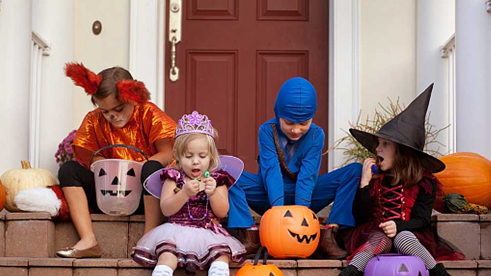 Halloween costume safety tips: 10 things you should know when buying your child's