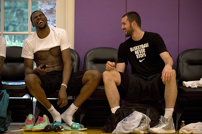 Kevin Durant and Kevin Love share a laugh during a workout in Aug. 2013. https://t.co/CkS0Xgr3n1
