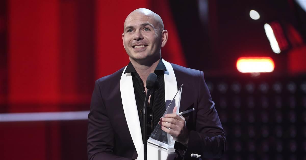 Pitbull at Latin American Music Awards: Build more schools, not walls via @NBCLatino
