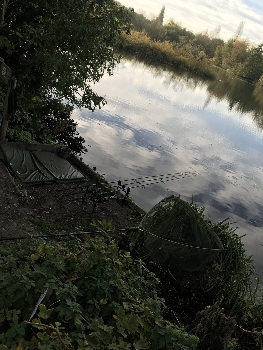 Let's get catching some carp #carpfishing #<b>Trakker</b> #fox #boom https://t.co/nW7b8BaUN5