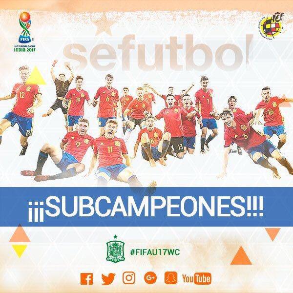 Orgulloso de todos vosotros @SeFutbol sub17! https://t.co/S0eqvtyEC2