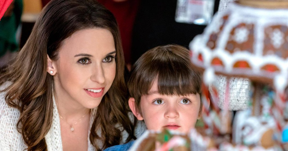 Here's when all 33 @HallmarkChannel Christmas movies will air: ?