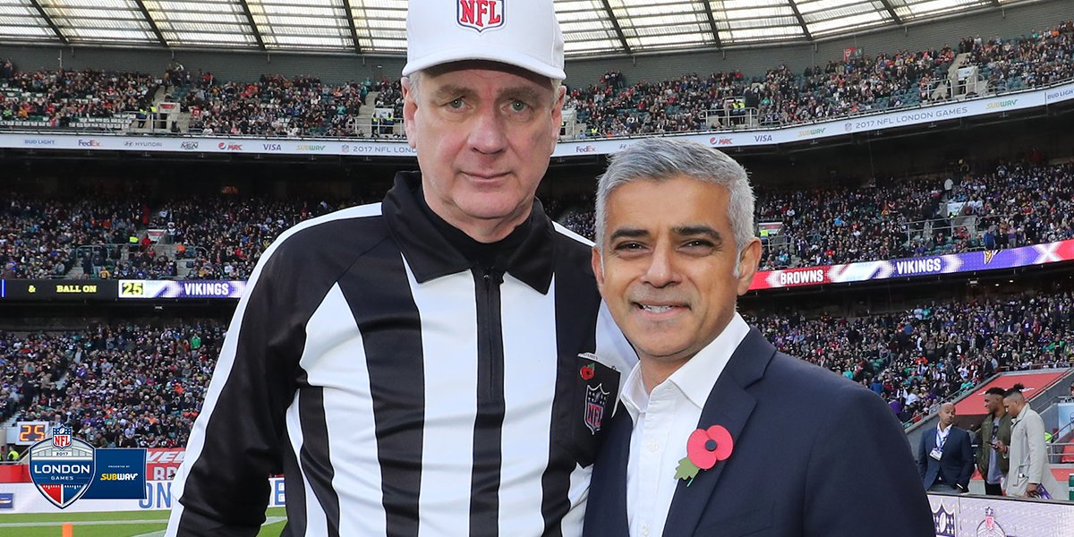 Great to see the @MayorofLondon at Twickenham today! ����  #NFLUK https://t.co/hIbbxGzwh3