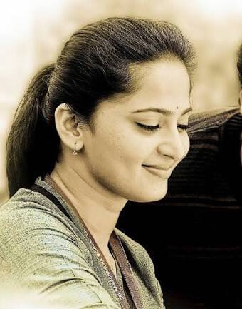 Wishing My All Time Favourite Actress Anushka Shetty a Very Happy Birthday!!