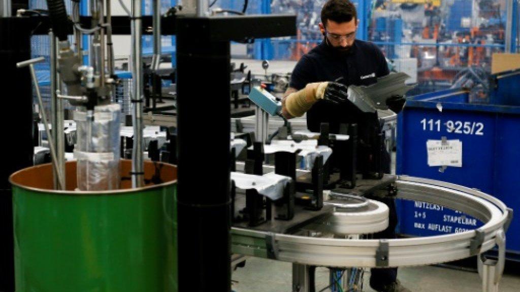 Spain clocks up vigorous growth in Q3