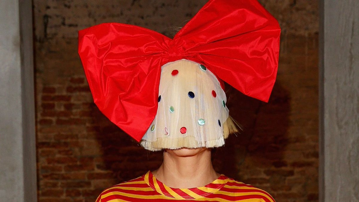 Sia Unwraps A Jazzy, Joyous New Christmas Song
