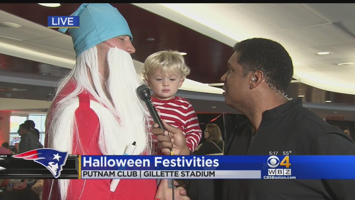 Patriots Host Halloween Party For Pediatric Cancer Patients