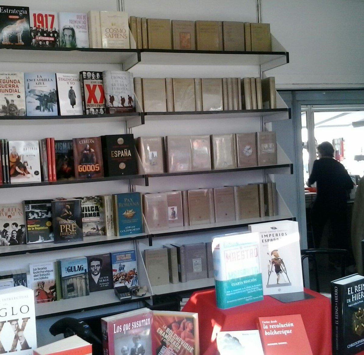 test Twitter Media - ¿Todavía no tenéis plan para mañana? Os esperamos en la Feria del Libro de la Plaza Mayor (Caseta n. 35) junto a la Librería Polifemo. https://t.co/7L4tfMCw23