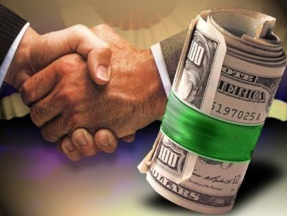 Ex-police sergeant in Georgia convicted in bribery scheme