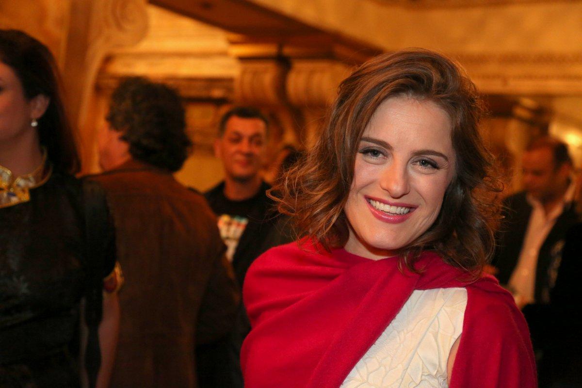 Alessandra Maestrini. Foto do site da Caras Brasil que mostra Alessandra Maestrini relembra 10 anos de programa que deu vida a Bozena