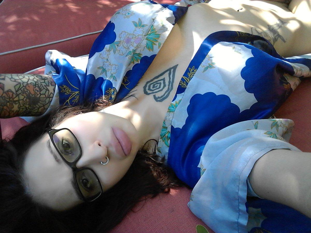 Noooo I'm leaving #NewOrleans today 😔😢 #bigtits #bigboobs #biglips #kimono #hotbabe #hotgirl #funtime
