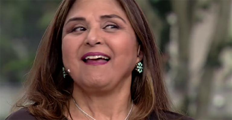 Elizangela. Foto do site da Caras Brasil que mostra Em férias, Elizângela comemora aniversário da nora em foto de família