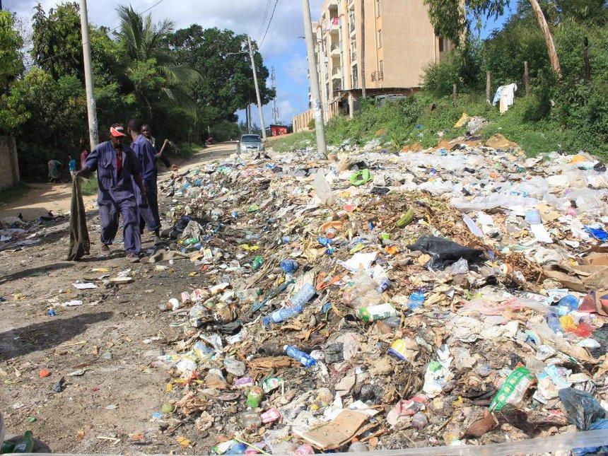 Kilifi residents cry foul as garbage heaps choke town