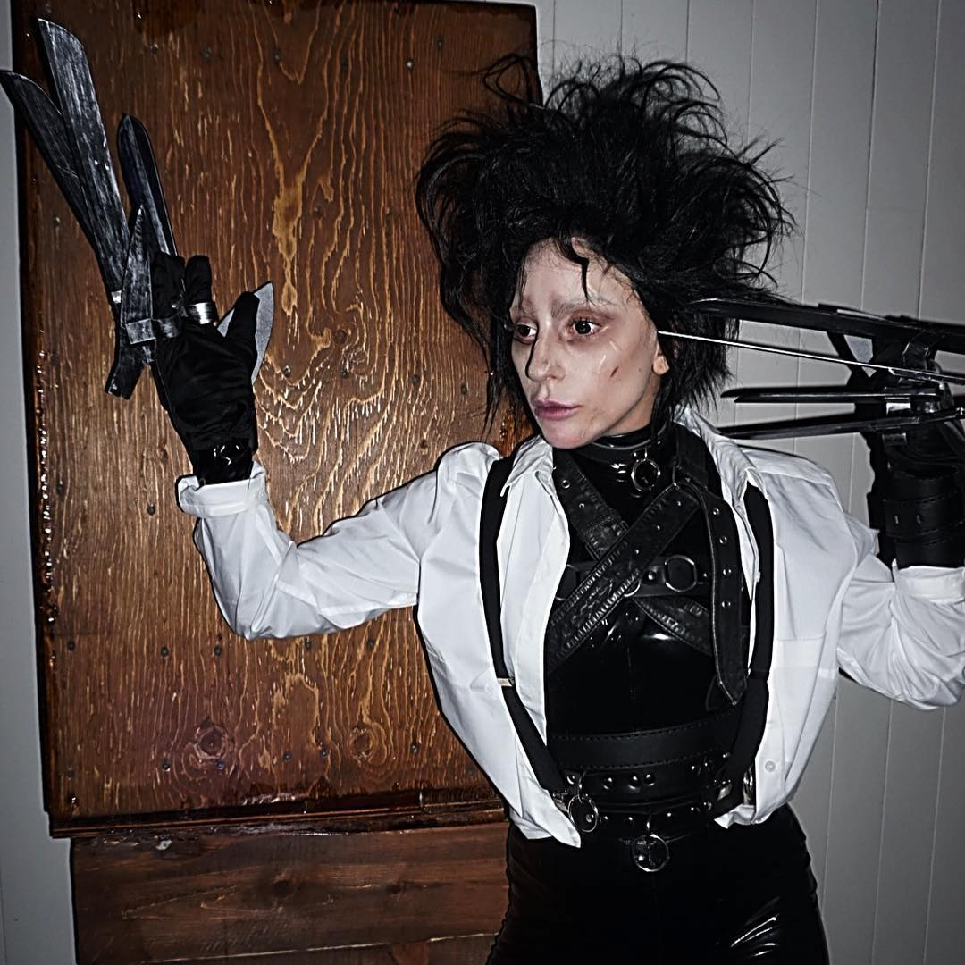 Lady Gaga dressed as Edward Scissorhands for Halloween and it was a perfect illusion.