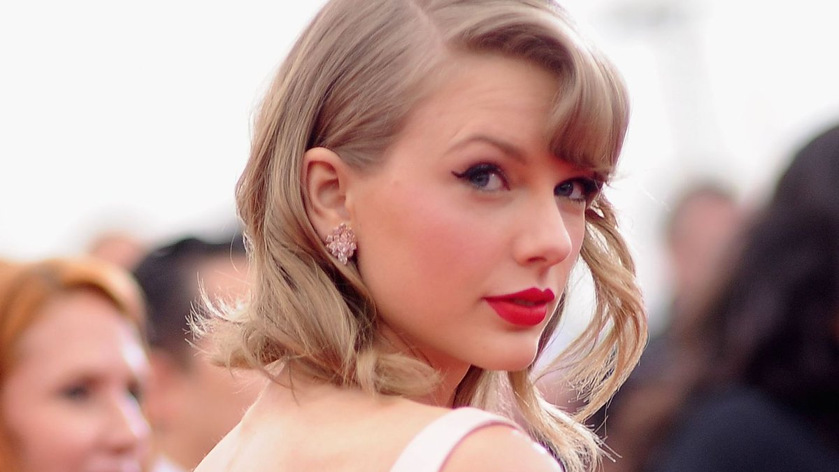 Watch Taylor Swift Obsess Over Her 'Gorgeous' Lyrics