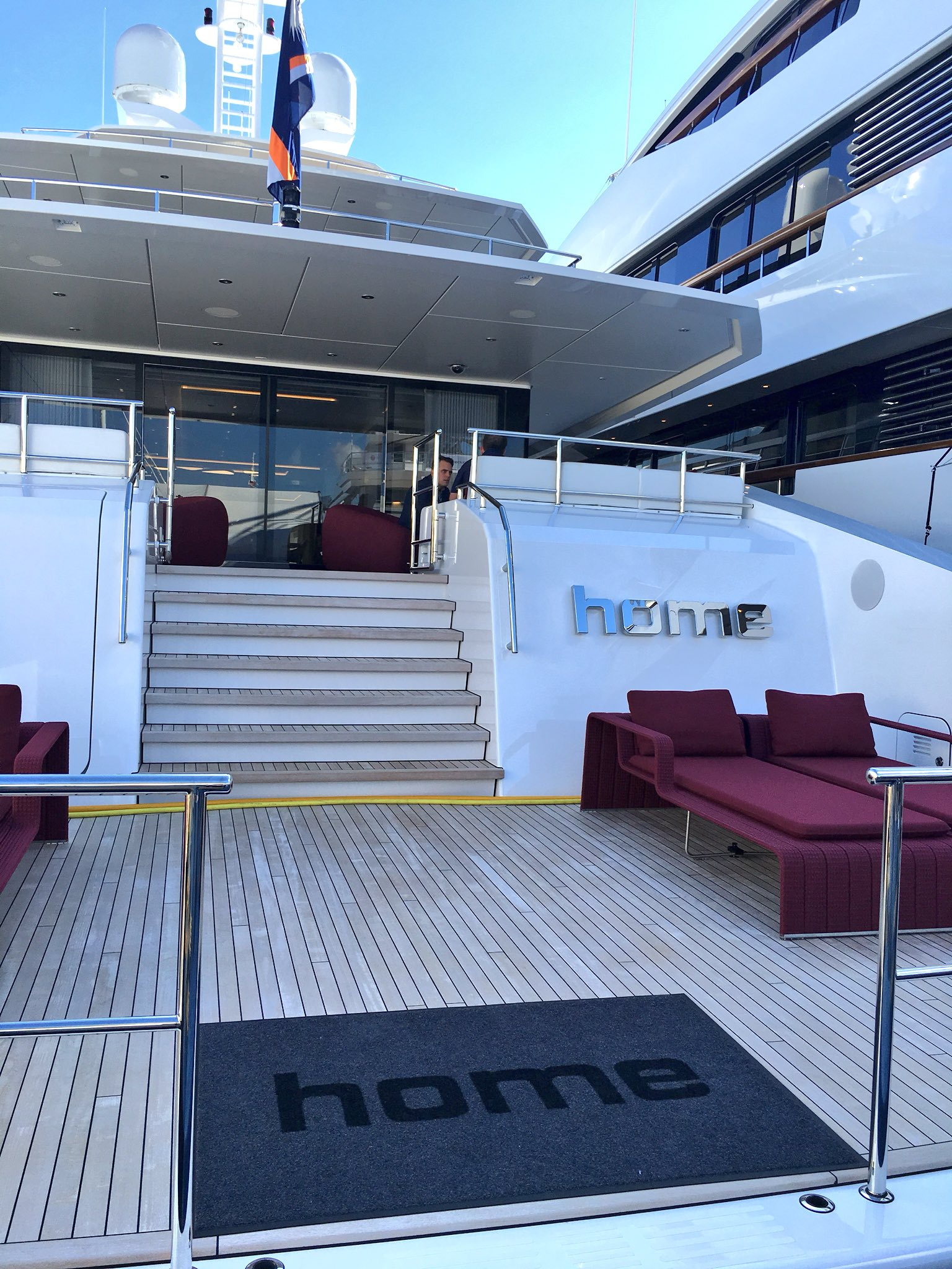 We took a tour of @Heesen_Yachts' 164-footer Home. Keep your eyes peeled for video from on board! #FLIBS2017 #athomewithheesen https://t.co/KNBjVFvJ0E