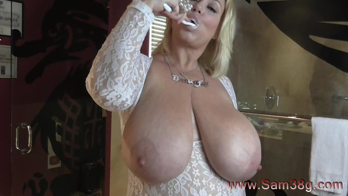New sale! My vids are lit! Clean teeth & Big boobs. Get yours here https://t.co/czulgqLqtC @manyvids
