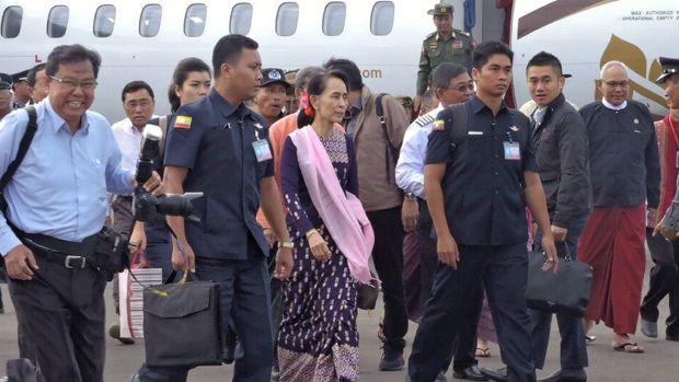 Myanmar's Aung Sun Suu Kyi visits Rakhine, reduces Rohingya crisis to a 'quarrel'