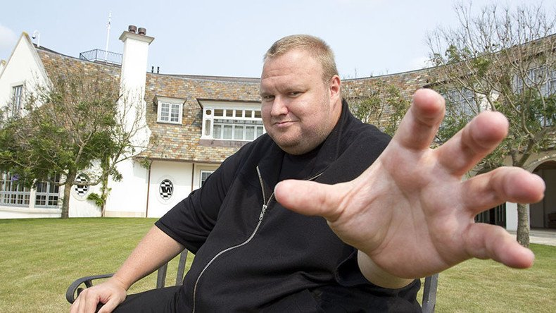 .@KimDotcom makes police pay heavy price for 'Hollywood-style' raid
