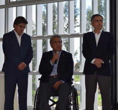 """""""Felicitaciones a todos los que hacen la @udecuenca"""", @Lenin Moreno #VivaCuenca https://t.co/eXvfOwi2Nr"""