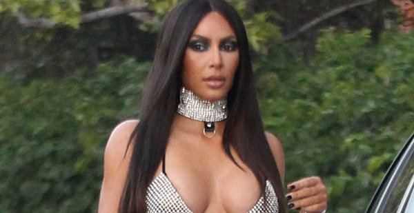 Kim Kardashian has apologized for her controversial Aaliyah Halloween costume: