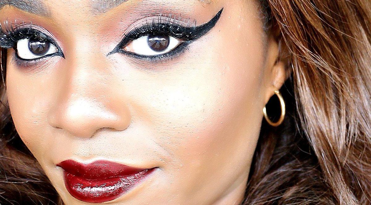 The BEST smudge-proof eyeliner gel?!