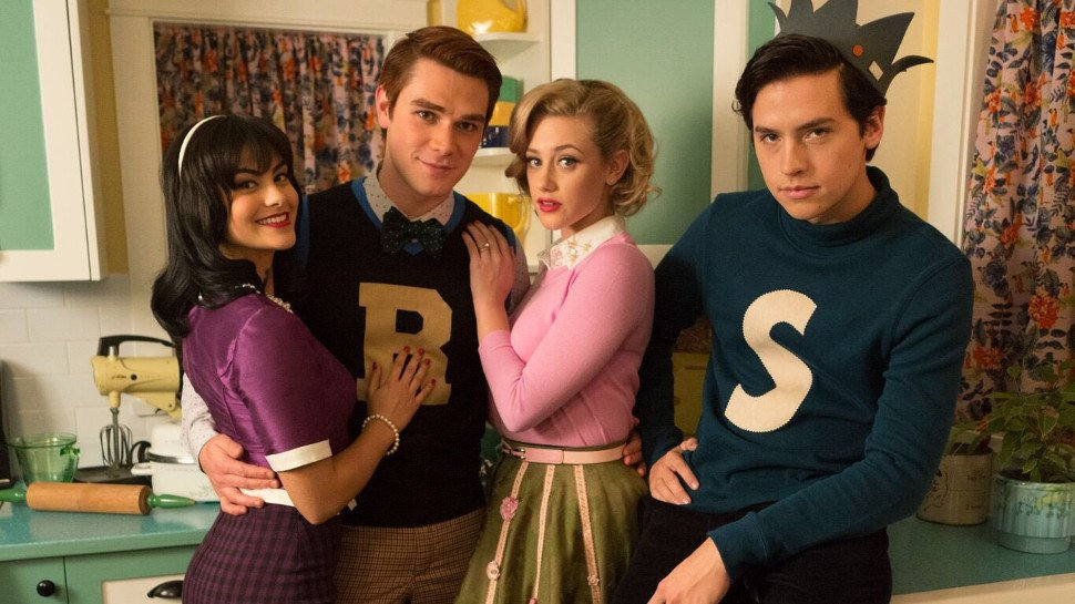 7 gifts the #Riverdale fan in your life needs: https://t.co/L9l5JNw2pC https://t.co/yeH4eU1mCV