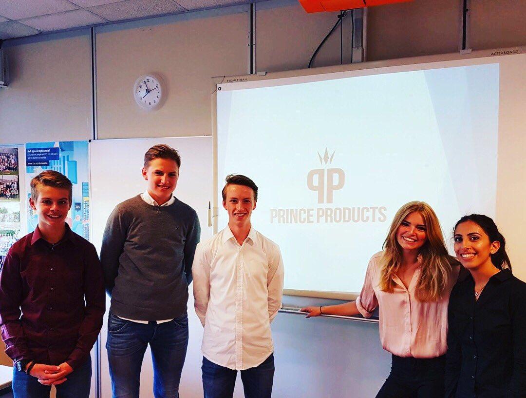 test Twitter Media - Vandaag is het in Nederland de Dag van de Ondernemer 2017, een dag waarop ook wij onze ondernemers van de Erfgooiers Businessclass uit 4 en 5 havo in het zonnetje zetten. Wat een originaliteit, ondernemerschap en doorzettingsvermogen! #erfgooierscollege https://t.co/ZpyN90za3C