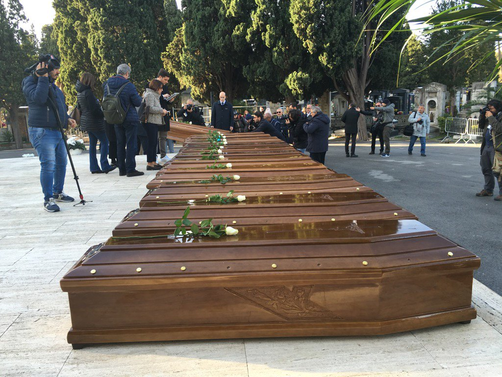 The funeral for 26 women and g italy
