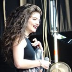 Lorde wins six Tuis at the New Zealand Music Awards