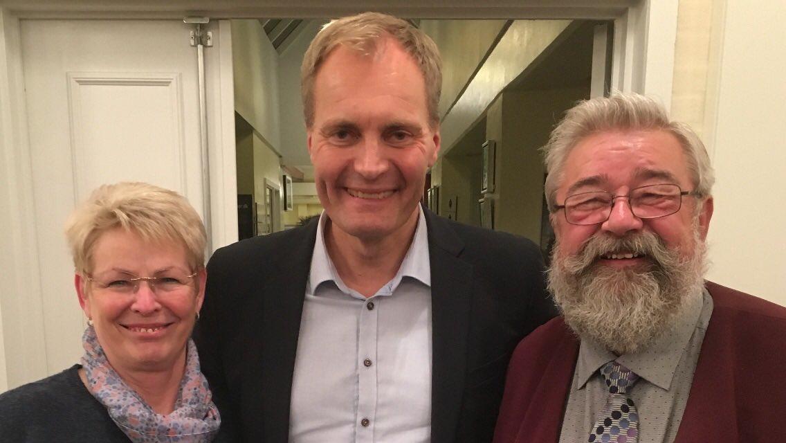test Twitter Media - Ho ho ho...nu er det snart.. valgdag 🎅🏼😆❤️ Fra alle os i DF Aarhus - til alle Jer. Hvem siger, at vi ikke kan li' skæg..? 😜 #dkpol #KV17 #julemanden https://t.co/lTKiGPlnXw