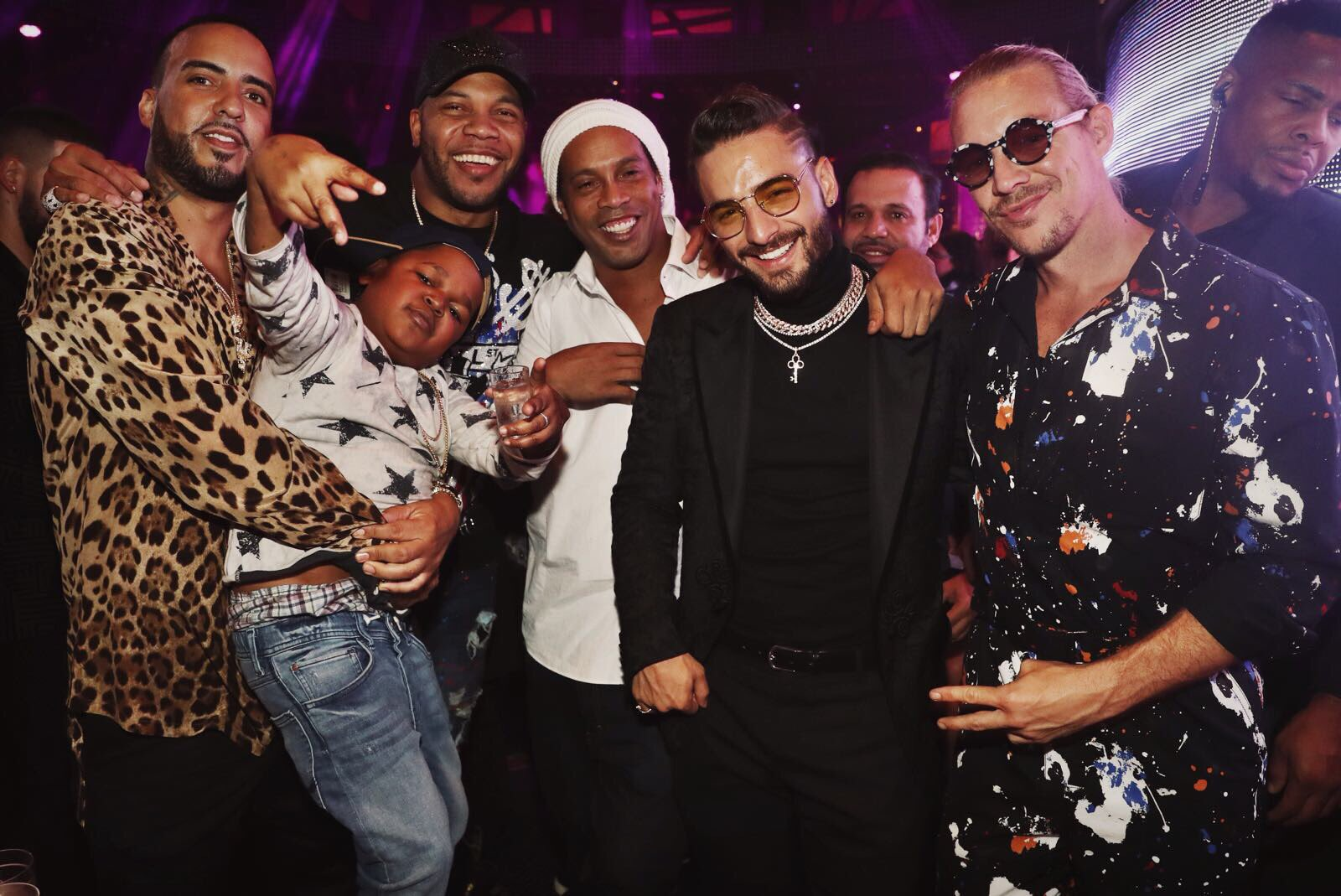 Here a pic of me, maluma, french ronaldinho, flo rida, and dancing baby man for the culture https://t.co/evJ0VST1KU