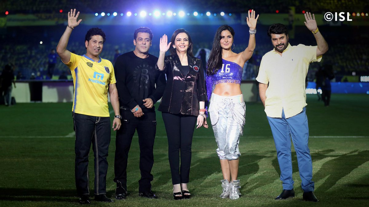It was a star-studded event in Kochi at the #HeroISL season opener! 💫🌟#LetsFootball #KERKOL