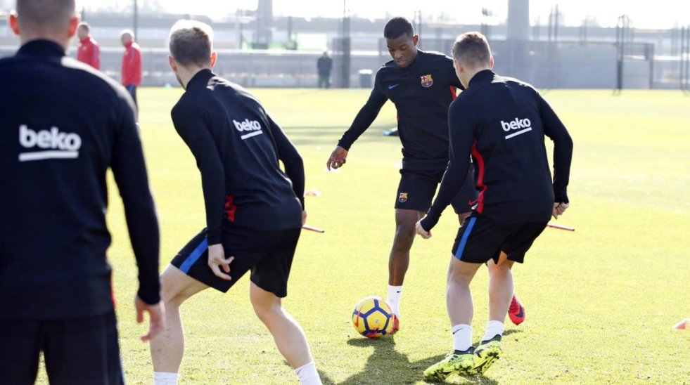 RT @FCBarcelona: [🎥 LIVE] Follow the first minutes of training  https://t.co/decFh6n0uh  #FCBlive https://t.co/hJ0emXRbk6